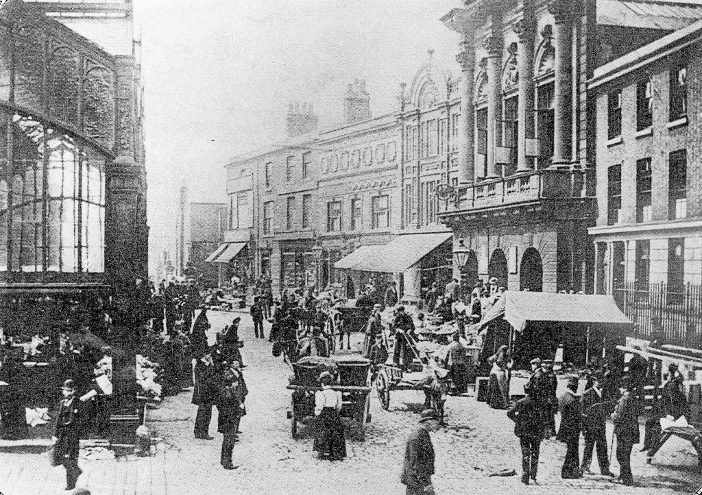 Stockport Market in 1896 - The extra bay of the glass indoor market on the left and the Cheese hall on the right