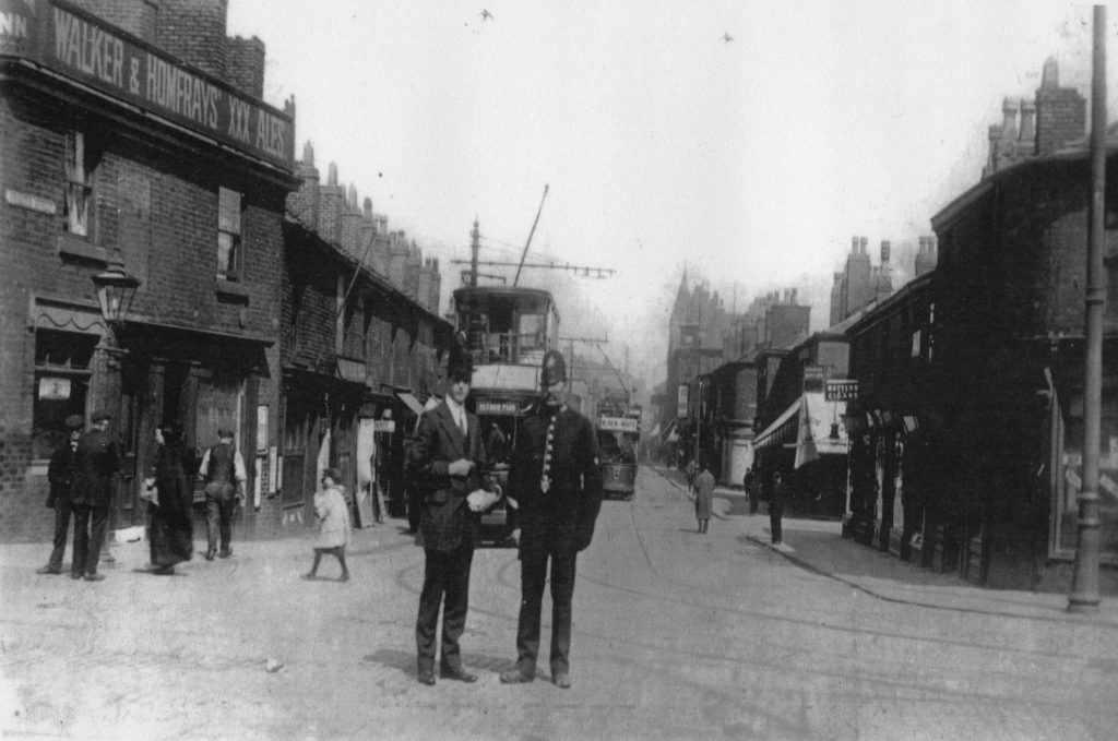 Prince's Street from Mersey Square in the early 20th Century, the pub on the left is now Debenhams