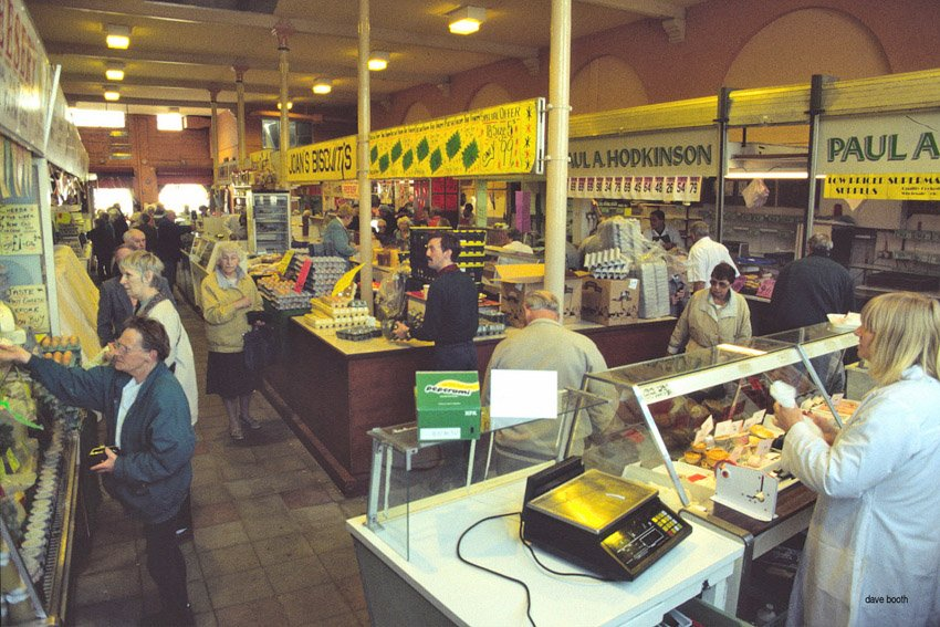 Inside the Produce Hall bustling with customers in 1996